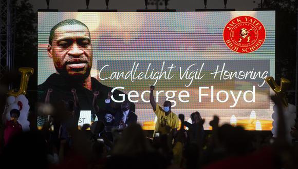 La muerte de Floyd desencadenó protestas internacionales y llamó la atención de nuevo sobre el trato que reciben los afroestadounidenses en Estados Unidos de la policía y el sistema de justicia penal. (Photo by ANDREW CABALLERO-REYNOLDS / AFP)