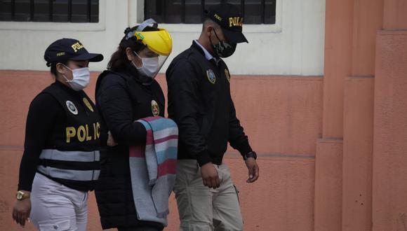 Karem Roca en Prefectura de Lima cuando fue detenida por siete días por el caso Richard Swing. El último jueves fue liberada por el Ministerio Público. (Foto: GEC)