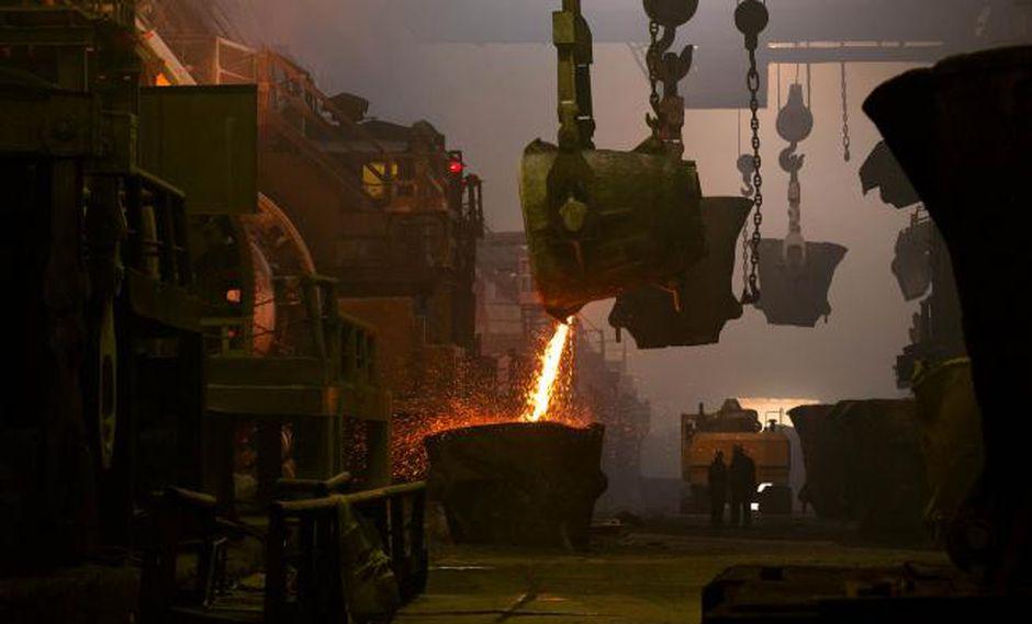 Un alza del dólar también está aumentando la presión sobre los metales industriales ya que el poder adquisitivo de los compradores que utilizan otras monedas se erosiona a medida que el dólar sube.