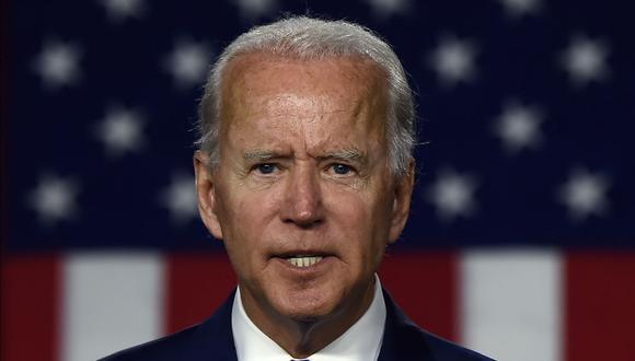 Biden sostiene que la economía no se podrá recuperar plenamente hasta que la pandemia del coronavirus esté bajo control. (Foto: Olivier DOULIERY / AFP).