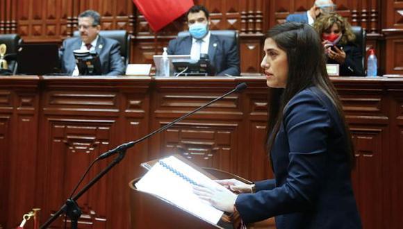 La ministra de Economía, María Antonieta Alva, podría enfrentar una moción de censura. (Foto: Congreso)