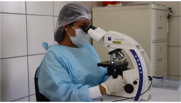 Norma busca promover la producción y uso de las pruebas moleculares y serológicas para la detección de COVID-19.