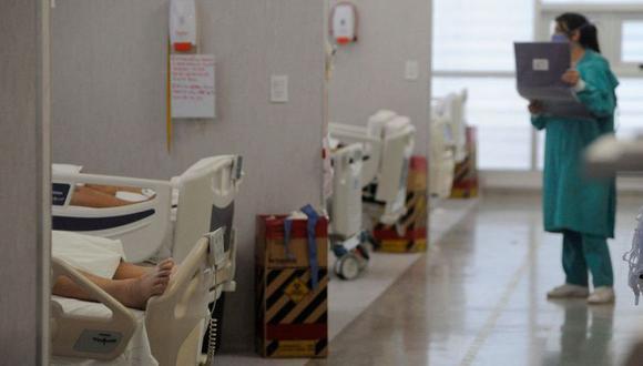 El número de infecciones es más elevado en muchas partes de la región que en cualquier otro periodo anterior de la pandemia, afirmó, y la aparición de nuevas variantes está incrementando las dificultades de trazabilidad de la epidemia. (Foto: Getty Images)