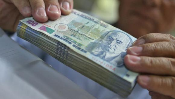 Si recibe dinero falso del cajero, la SBS recomienda sacarle copia al billete y formular el reclamo ante el banco. (Foto: Andina)
