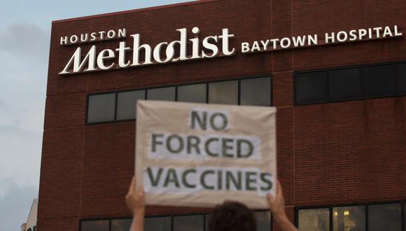"""Las empresas """"esperaban primero ver cuántos empleados se vacunarían por voluntad propia"""", señala Peter Cappelli, profesor de gestión en Wharton School. (Foto: Yi-Chin Lee / AP)."""