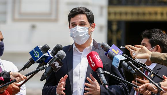 César Combina indicó que este proyecto de la comisión de reforma, no representa a su partido. (Foto: GEC)