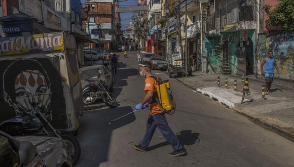 Los estados más grandes de Brasil planean aliviar las restricciones.