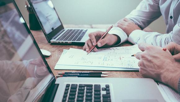 El CV es un documento que presenta las habilidades, formación y experiencia laboral de una persona, con el fin de optar a un puesto de trabajo. (Foto: difusión)