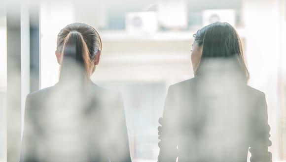 En los mercados emergentes, las mujeres en los directorios eran más propensas que los hombres a tener experiencia financiera en cargos como directora financiera.