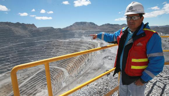 """Compañía indicó que a la fecha se ha podido trasladar a trabajadores considerados como """"grupo de riesgo""""; es decir, mayores de 60 años. (Foto: Referencial/Andina)"""